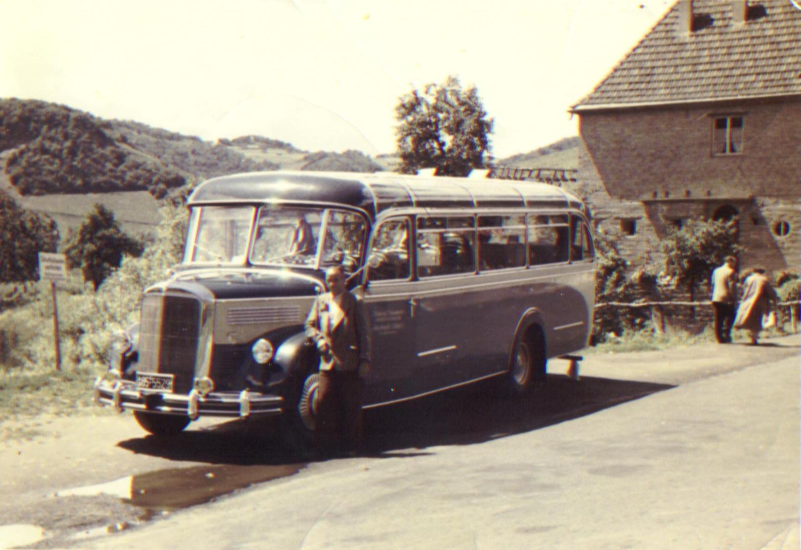 Historie - Konrad Sommer vor Omnibus
