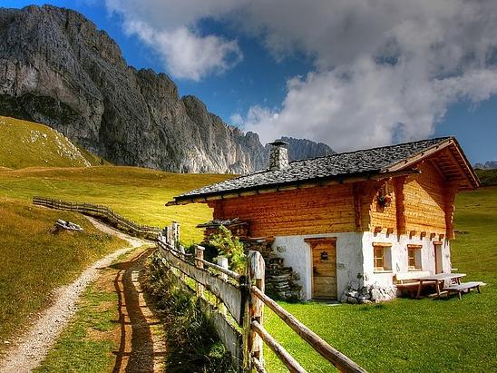 Busreisen - Berge und Berghütte in Trentino